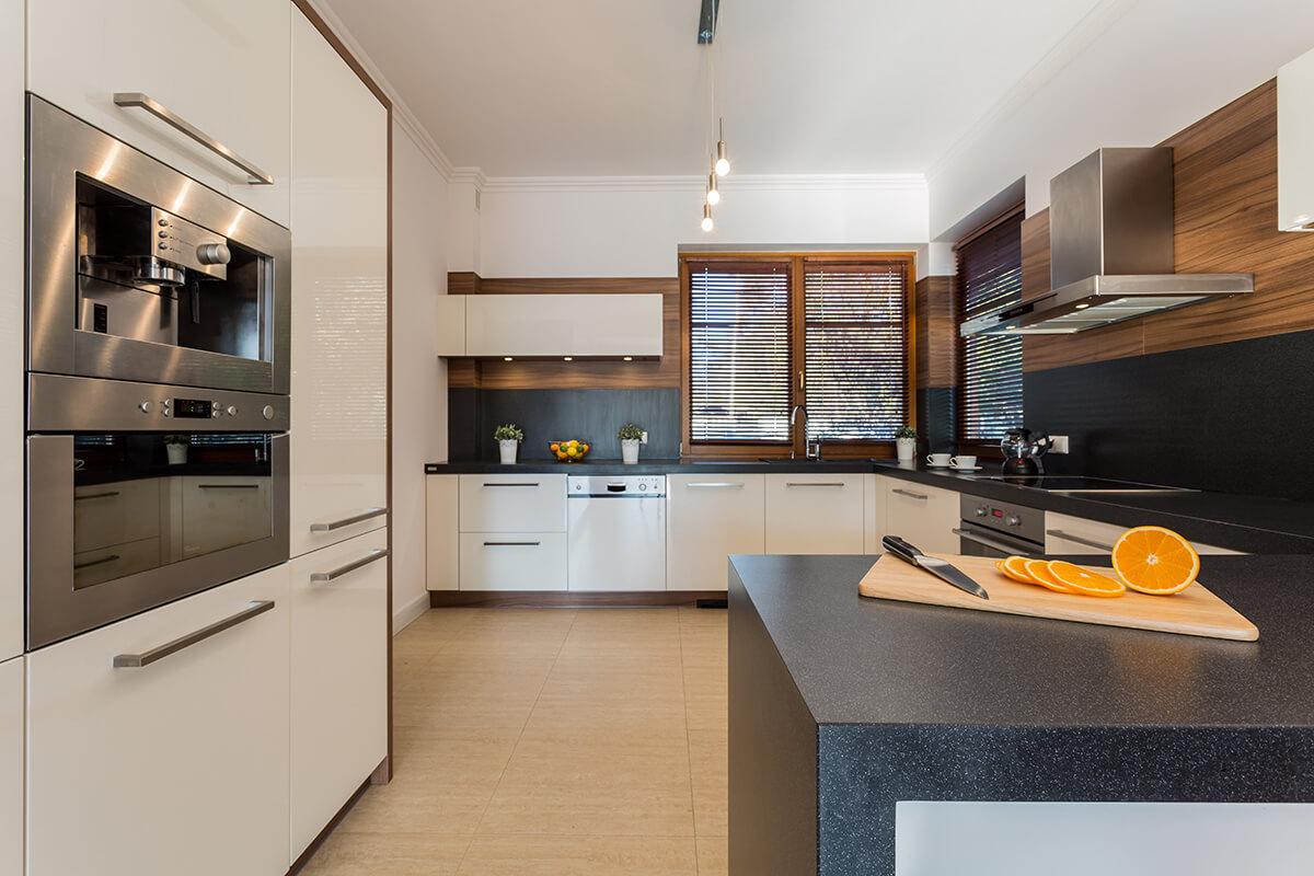 cuisine moderne en acrylique et m lamine armoires bigo. Black Bedroom Furniture Sets. Home Design Ideas