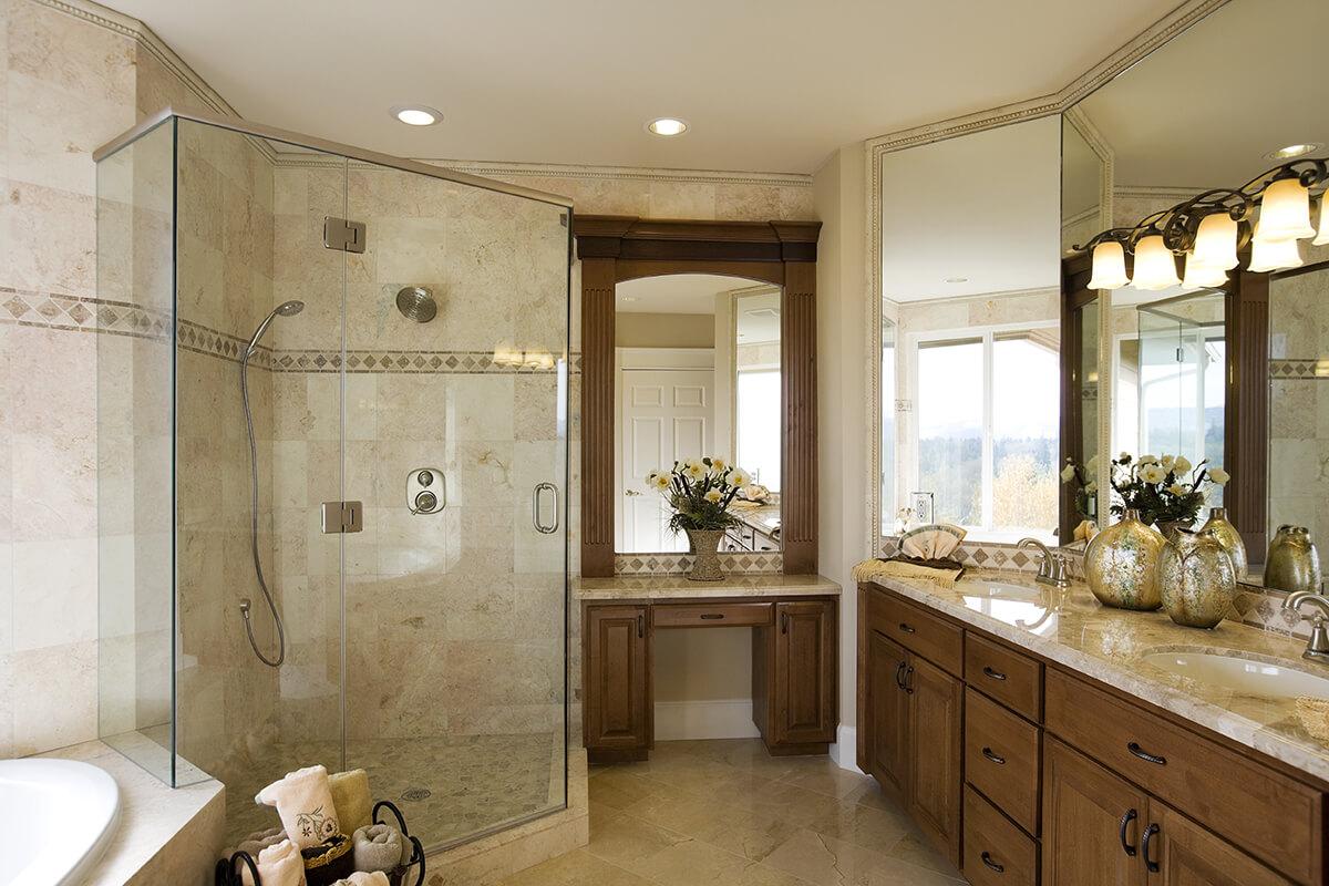 Salle de bains classique bois teint armoires bigo for Peinturer un comptoir de salle de bain
